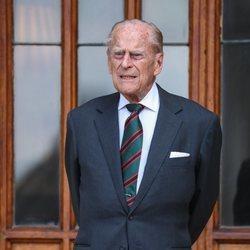 El Duque de Edimburgo durante la cesión del cargo de Coronel en Jefe del Regimiento 'Los Rifles'