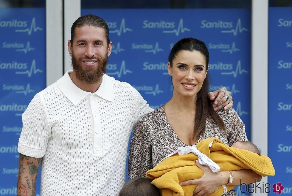 Sergio Ramos y Pilar Rubio presentan a su hijo Máximo Adriano