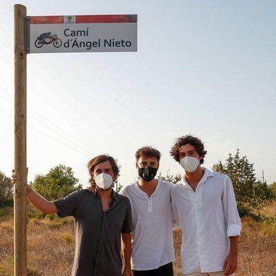Los hermanos Gelete, Pablo y Hugo Nieto en el homenaje de Ángel Nieto