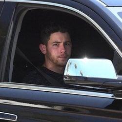 Nick Jonas acude a visitar a su sobrina Willa