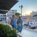 Marie Chantal de Grecia y Olympia de Grecia en Spetses
