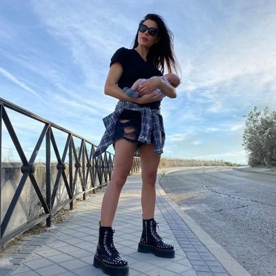 Pilar Rubio dando sus primeros paseos con Máximo Adriano