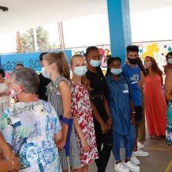 La Princesa Leonor y la Infanta Sofía con jóvenes del Centro Socieducativo Naüm