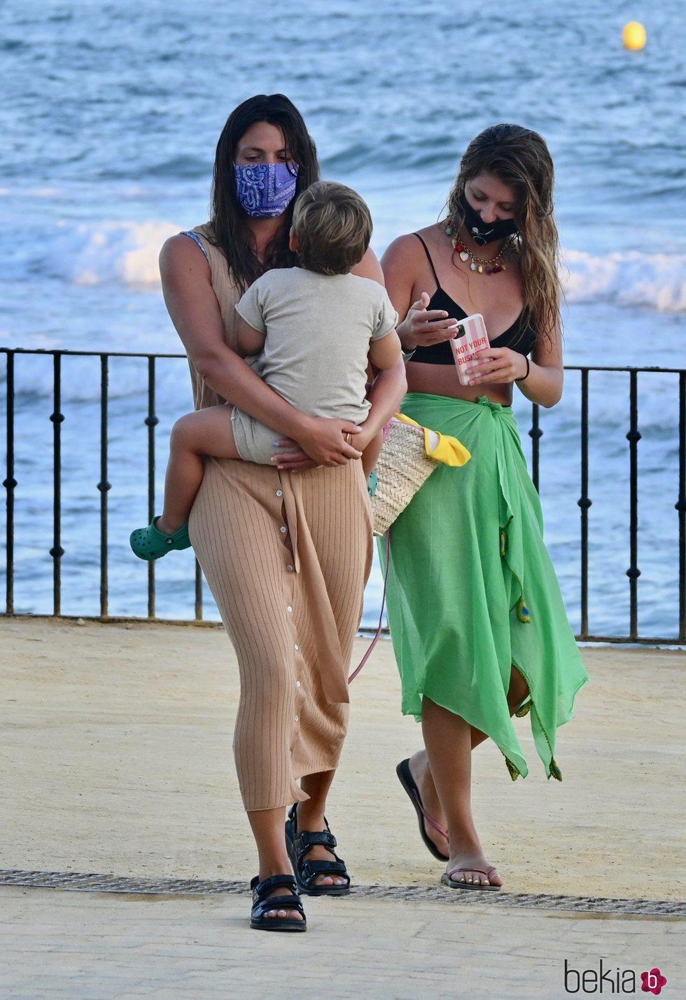 Laura y Anita Matamoros disfrutando juntas de sus vacaciones en Marbella