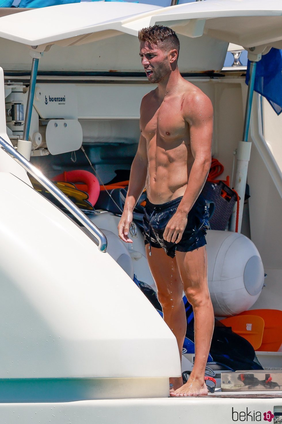 Luca Zidane de vacaciones a bordo de un yate en Ibiza