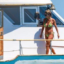 Makoke disfrutando del verano 2020 en un barco en Ibiza