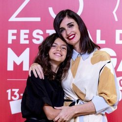 Paz Vega y su hija, Ava Salazar, muy sonrientes en el Festival de Cine de Málaga 2020