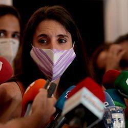Irene Montero comparece ante los medios para hablar de su denuncia