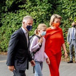 Felipe y Matilde de Bélgica acompañan a su hija Leonor de Bélgica en su vuelta al cole