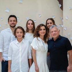 Rania de Jordania celebra su 50 cumpleaños con su marido y sus hijos