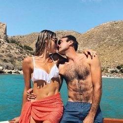 Enrique Ponce y Ana Soria a punto de besarse
