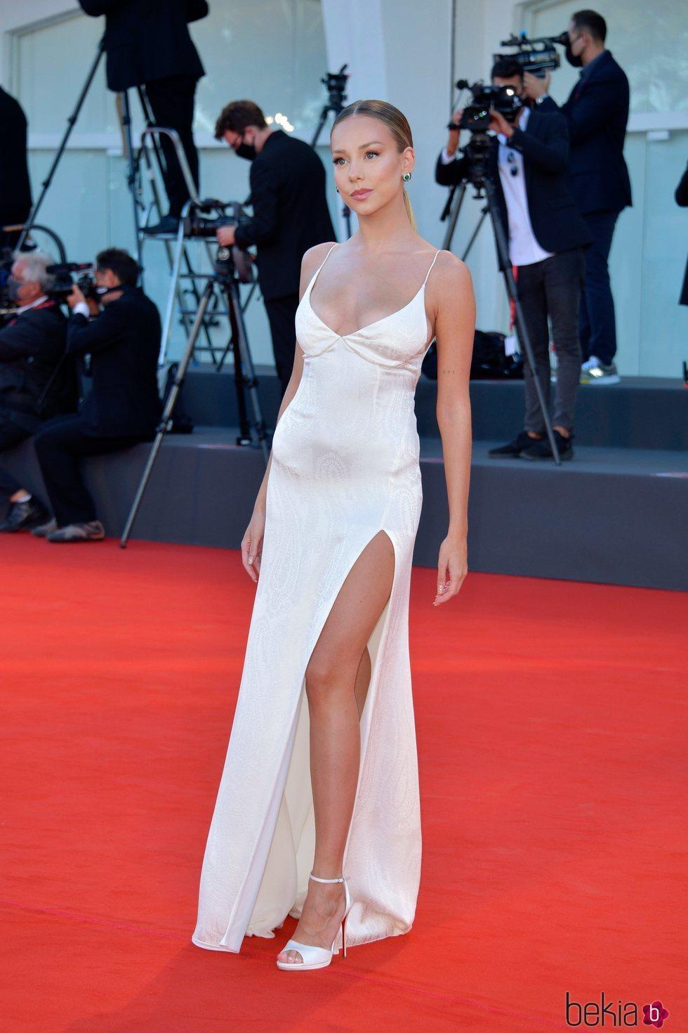 Ester Expósito en la alfombra roja del Festival de Venecia 2020