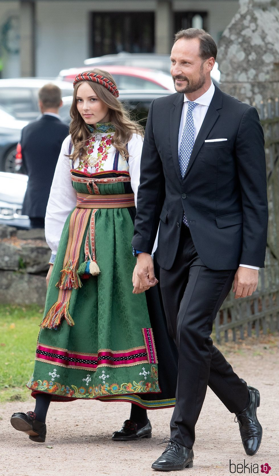 Haakon de Noruega e Ingrid Alexandra de Noruega en la Confirmación de Sverre Magnus de Noruega