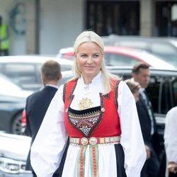 Mette-Marit de Noruega en la Confirmación de Sverre Magnus de Noruega