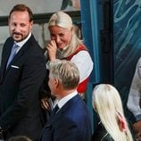 Mette-Marit de Noruega se emociona en la Confirmación de Sverre Magnus de Noruega junto a Haakon de Noruega e Ingrid Alexandra de Noruega