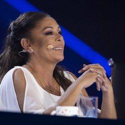 Isabel Pantoja ejerciendo de jurado en el primer programa de 'Idol Kids'