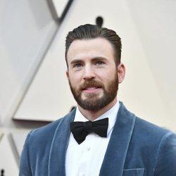 Chris Evans a su llegada a los Premios Oscar 2019