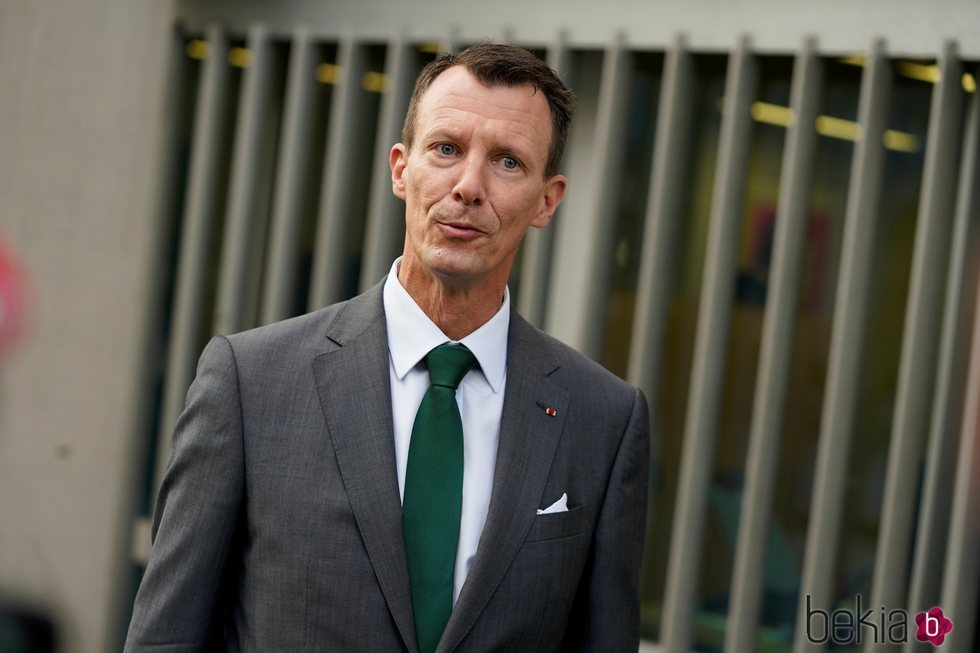 Joaquín de Dinamarca en su primer día de trabajo en la embajada danesa en París