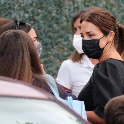 Paula Echevarría, en la puerta del colegio de su hija Daniella