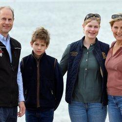 Los Condes de Wessex, Lady Louise y James Mountbatten-Windsor en Great British Beach Cleans en Southsea