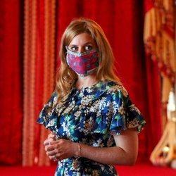 La Princesa Beatriz de York acude a la exposición de su vestido de novia en el Castillo de Windsor