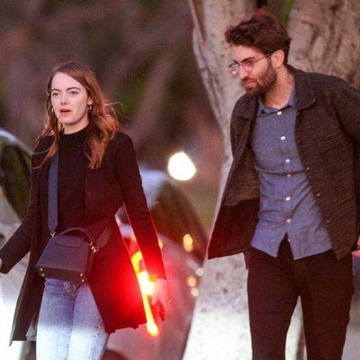 Emma Stone y Dave McCary paseando por Los Ángeles