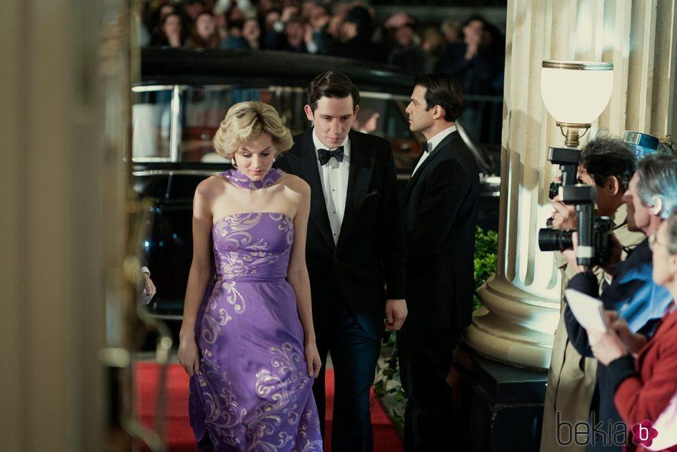 Emma Corrin y Josh O'Connor en la cuarta temporada de 'The Crown'