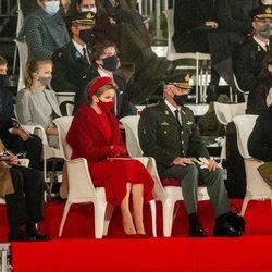 Felipe y Matilde de Bélgica, sus hijos Gabriel, Emmanuel y Leonor de Bélgica y los Reyes Alberto y Paola de Bélgica en la apertura del curso de la Real Aca