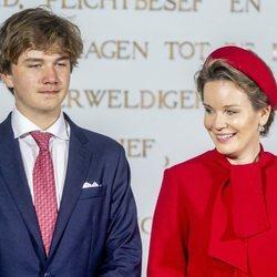 Matilde de Bélgica y Gabriel de Bélgica en la apertura del curso de la Real Academia Militar en Bruselas