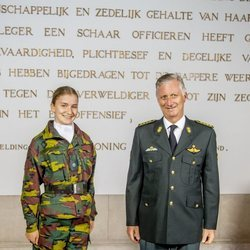 Felipe de Bélgica e Isabel de Bélgica en la apertura del curso de la Real Academia Militar en Bruselas