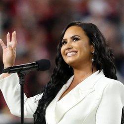 Demi Lovato en la Super Bowl en Miami