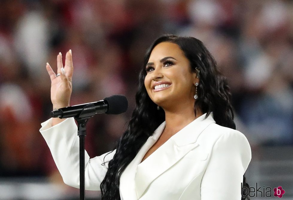 Demi Lovato en la Super Bowl en Miami