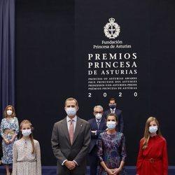 Los Reyes Felipe y Letizia y sus hijas Leonor y Sofía en la audiencia a los galardonados de los Premios Princesa de Asturias 2020