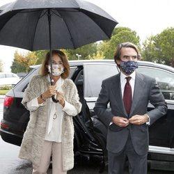 José María Aznar y Ana Botella en el tanatorio de Fernando Falcó