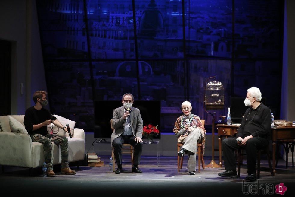 Manuel Martínez Velasco, Jesús Cimarro, Concha Velasco y José Carlos Plaza en la presentación de 'La habitación de María'