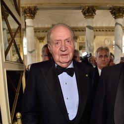El Rey Juan Carlos en la ópera en Milán