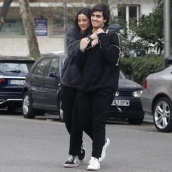 Victoria Federica y Jorge Bárcenas, muy enamorados y sonrientes