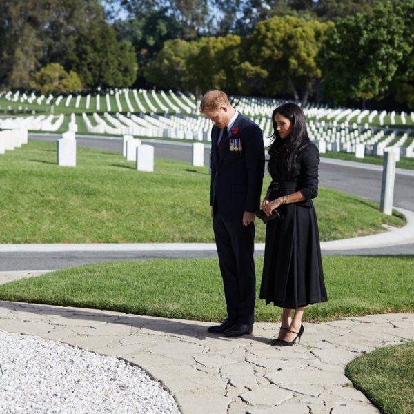 La Familia Real Británica celebrando el Día del Recuerdo 2020