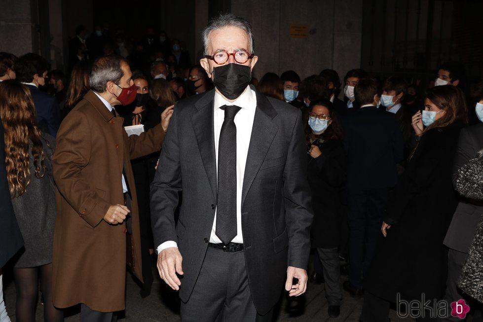 Antonio Catalán en el funeral de Carlos Catalán