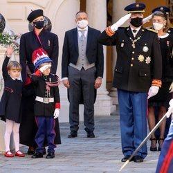 Alberto y Charlene de Mónaco, Jacques y Gabriella de Mónaco y Carolina de Mónaco en el Día Nacional de Mónaco