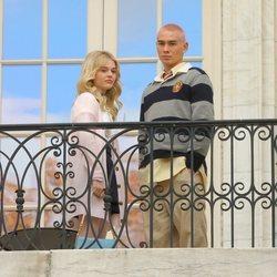 Emily Lind y Evan Mock rodando el reboot de 'Gossip girl'