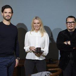 Carlos Felipe de Suecia, Andrea Brodin y Oscar Kylberg en la presentación de la marca NJRD