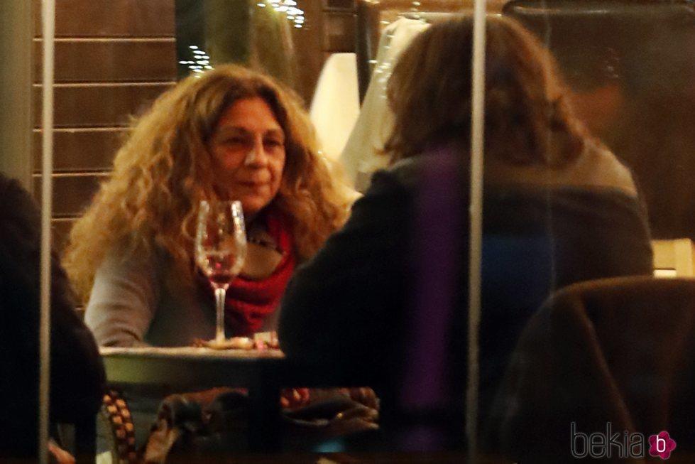 Lolita Flores cenando con su hijo