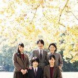 Akishino y Kiko de Japón con sus hijos Mako, Hisahito y Kako de Japón