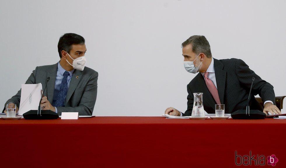 El Rey Felipe y Pedro Sánchez en la XXXI sesión ordinaria del Patronato de la Fundación Carolina