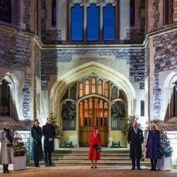 La Familia Real Británica en el Castillo de Windsor al final del Royal Train Tour de los Duques de Cambridge
