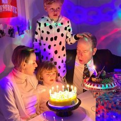 Jacques y Gabriella de Mónaco en la celebración de su 6 cumpleaños junto a Alberto y Charlene de Mónaco