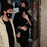 Victoria Federica y Jorge Bárcenas saliendo de un bar en Madrid