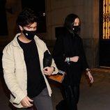 Victoria Federica y Jorge Bárcenas paseando por la noche en Madrid