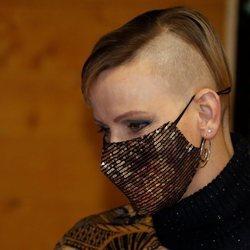 Charlene de Mónaco con el pelo rapado en la entrega de regalos navideños 2020